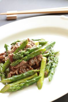 Directions: Trim the tough ends from the asparagus, then cut on the diagonal into 1 inch pieces. Marinate the beef steak in the soy sauce, sherry and ginger for about 30 minutes. Place 1 tbs of oil in a hot wok or frying pan and add the drained meat. Stir fry for about 1 minute, […]