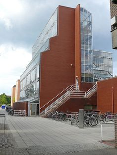 History Faculty in context, Cambridge - James Stirling
