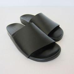 ad5fbd1a6f31 New Gucci Vacchetta Austin Black Sandal Shoes Size US-8.5  Gucci  Sandal  Classy