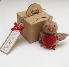 PapertoClothStore. Hand knitted robin tree decoration