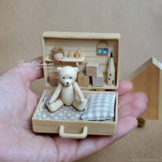 Wooden Teddy bear and chemotopic Doll House Crafts, Doll Crafts, Ikea Kids Room, Pallet Tv Stands, Tin Art, Red Cat, Tv Storage, Record Storage, Miniature Crafts