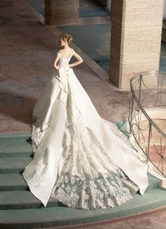 » ウェディング・ドレス|マイウェディング中屋 Luxury Wedding Dress, Classic Wedding Dress, Gorgeous Wedding Dress, White Wedding Dresses, Designer Wedding Dresses, Wedding Attire, Wedding Bride, Bridal Dresses, Wedding Gowns