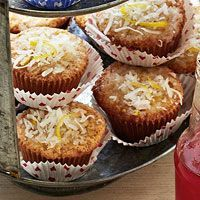 Grandma Yearwood's Coconut Cupcakes with Coconut Lemon Glaze by Trisha Yearwood The secret ingredients in this cake is crushed vanilla wafers. It gives the cake a delicious texture. No Bake Desserts, Just Desserts, Dessert Recipes, Bhg Recipes, Family Recipes, Cooking Recipes, Yummy Treats, Sweet Treats, Yummy Food