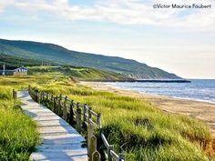 Inverness Beach boardwalk along the Ceilidh Trail in Cape Breton, Nova Scotia Inverness Nova Scotia, Beautiful Places To Visit, Places To See, Nova Scotia Travel, Canadian Travel, Canadian Rockies, Acadie, East Coast Road Trip, Atlantic Canada