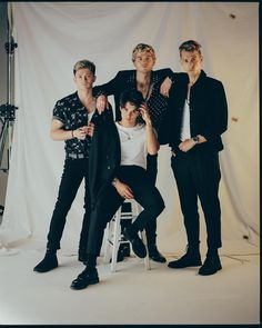'All the lies' 🔥🔥🔥 with the boys Felix Jaehn and Alok Brad Simpson, The Vamps Concert, Shawn Mendes Fotos, Vamps Band, Bradley The Vamps, New Hope Club, Eleanor Calder, Celebs, Celebrities
