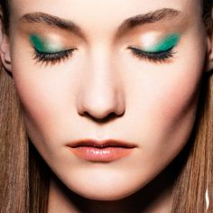 Dab emerald shadow on the outside corners of eyes for an unexpected accent. #PROTip #SephoraPantone