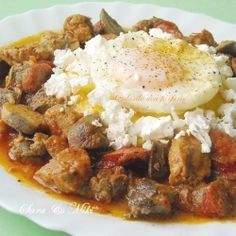 Tochitura, Romanian food (in French) Russian Recipes, Turkish Recipes, Greek Recipes, Soup Recipes, Food In French, Romanian Food, Romanian Recipes, Around The World Food, Homemade Cheese