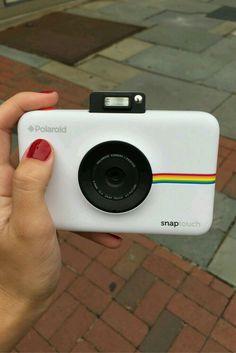 Polaroid Snap Instant Digital Camera (White) with ZINK Zero Ink Printing Technology Polaroid Snap Touch Camera, Polaroid Instax Mini, Cute Camera, Fujifilm Instax Mini, Vintage Polaroid Camera, Polaroid Cases, Iphone Accessories, Camera Accessories, Accessoires Photo
