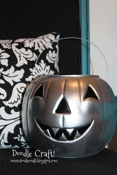 Halloween DIY : The Great Chrome Pumpkin!: DIY halloween decor: DIY halloween crafts