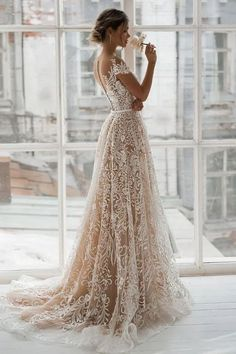 Romantic Bridal Gowns Perfect For Any Love Story - Knitt.- Romantic Bridal Gowns Perfect For Any Love Story – Knitters - Wedding Dress Black, Country Wedding Dresses, Modest Wedding Dresses, Bridal Dresses, Wedding Dress Trumpet, Famous Wedding Dresses, Gorgeous Wedding Dress, Lace Dress With Sleeves, The Dress