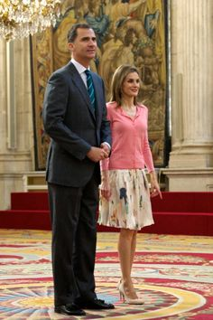 """MYROYALSHOLLYWOOD FASHİON: King Felipe and Queen Letizia held an audience for scholarship participants for """"Becas Europa"""", Royal Palace, Madrid, July 17, 2014"""