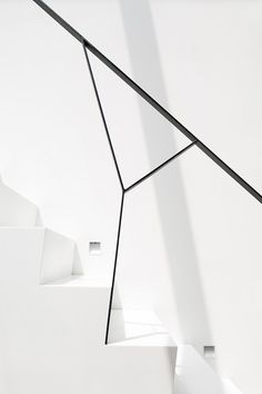 White stairs leManoosh #SimpleSpaces #Minimalist