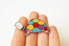 Turtle brooch colorful jewelry animal brooch by lacravatteduchien, Diy Shrink Plastic, Shrink Paper, Shrink Art, Animated Icons, Mixed Media Jewelry, Shrinky Dinks, Stone Art, Creative Cards, Bead Art