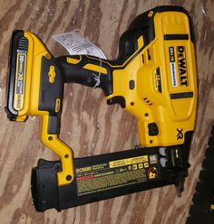 Weapon of choice. Cool Tools, Diy Tools, Hand Tools, Carpentry Tools, Woodworking Tools, Dewalt Power Tools, Mobile Workshop, Air Hammer, Trailer Storage
