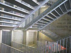 Médiathèque André Malraux. Strasbourg. Intégral Ruedi Baur, Paris.