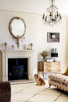 Take a look inside party-girl-turned-designer Pearl Lowe's incredible home - YOU Magazine Living Room Lounge, Living Room Flooring, Living Spaces, Pearl Lowe, Vintage Chest Of Drawers, Lowes Home, Minimalist Home Interior, Vintage Interiors, A Table