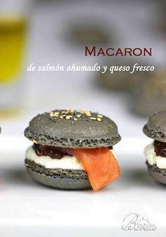 Macarons smoked salmon and cream cheese Vegan Dinner Party, Tapas Party, No Cook Appetizers, Appetizers For Party, Gourmet Recipes, Whole Food Recipes, Cooking Recipes, Gourmet Foods, Macaroons
