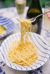 Lazy Lemon Pasta {One Pot 10min Recipe!}
