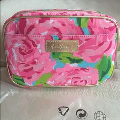 New Lilly Pulitzer First Impression Cosmetic Bag Brand new with tags. No trades and posh only. Lilly Pulitzer Bags Cosmetic Bags & Cases