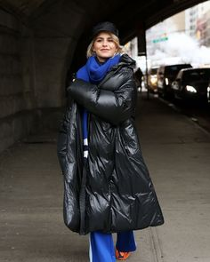 #downcoat #downjacket #dunjakke #carolinedaur #puffycoat #pufferjacket #downcoat #shiny #shinyjacket Down Puffer Coat, Down Coat, Caroline Daur, My Images, Female, 21st Century, Duvet, Jackets, Coats