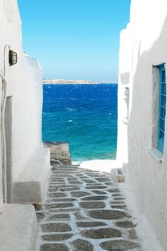 White and blue. Sky and sea.
