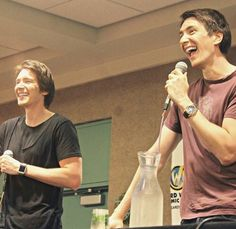 Harry Potter Friends, Cute Harry Potter, Harry Potter Cast, Fred And George Actors, Phelps Twins, Oliver Phelps, Weasley Twins, Love Me Better, Actor James