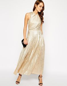 love me a gold dress