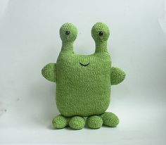 Ravelry: S.A.M. aka the Stupendous Alien Monster pattern by Allison Cleaver