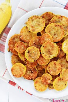 Baked Parmesan Yellow Squash Rounds Side Dish Recipes, Vegetable Recipes, New Recipes, Vegetarian Recipes, Cooking Recipes, Healthy Recipes, Recipies, Eggless Recipes, Clean Recipes