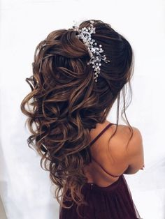 hairstyles party easy \ hairstyles party - hairstyles party wedding - hairstyles party nightclub - hairstyles party curls - hairstyles party night - hairstyles party half up - hairstyles party prom - hairstyles party easy Quince Hairstyles, Easy Hairstyles, Prom Hairstyles, Hairstyles Videos, Wedding Hairstyles For Long Hair, Wedding Hair And Makeup, Christmas Party Hairstyles, Quinceanera Hairstyles, Wedding Hair Inspiration