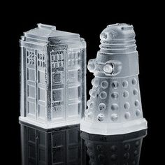 Chill Your Drinks With These Geek-Tastic Cubes!