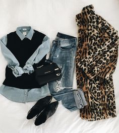 8c521ed99b3 Pair leopard with black booties for a classic yet fun look. @dresscorilynn  Casual Outfits