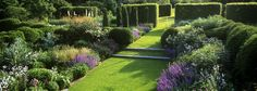 Tom Stuart-Smith's Barn Garden and Serge Hall, Thinking Outside the Boxwood Landscape Architecture, Landscape Design, Garden Design, Tom Stuart Smith, Garden On A Hill, Classic Garden, English Country Gardens, Formal Gardens, Garden Structures