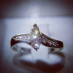 #Solitario #anello #oro #bianco #diamanti #diamante #artigianale #ring #gold #white #handmade #jewels #goldsmith #artistic
