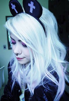 Witch house & pastel goth. Make up, hair & style. on Pinterest