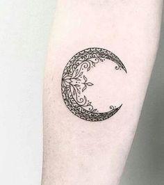 Ein Mond-Tattoo