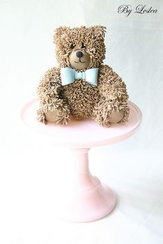 A teddy bear - are you kidding me? Amazing From Leslea Matsis Cakes Gorgeous Cakes, Pretty Cakes, Cute Cakes, Yummy Cakes, Amazing Cakes, Macaroons, Cookies Decorados, Teddy Bear Cakes, Teddy Bear Birthday Cake