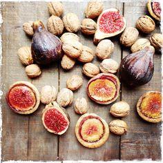 Financiers aux figues et aux noix Walnut and fig financiers