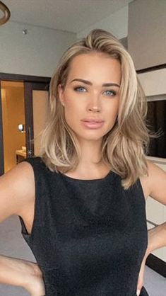 Medium Hair Styles, Short Hair Styles, Hair Color And Cut, Beige Blonde Hair Color, Mid Length Hair, Hair Images, Great Hair, Hair Day, Balayage Hair