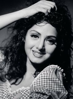 View Legendary Bollywood actress Sridevi passes away Pics on TOI Photogallery Bollywood Heroine, Beautiful Bollywood Actress, Most Beautiful Indian Actress, Bollywood Makeup, Bollywood Party, Indian Celebrities, Bollywood Celebrities, Indian Star, Vintage Bollywood