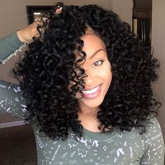 A Guide For The Perfect Rollerset on Natural Hair 2019 – Curly Girl Swag Natural hair models – Hair Models-Hair Styles Pelo Natural, Long Natural Hair, Long Curly Hair, Wavy Hair, Curly Hair Styles, Natural Hair Styles, Curly Girl, Hair Updo, Natural Dreads