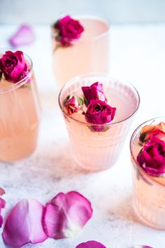 Spritzer med rosenvand og citron