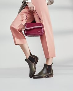 Sophisticated ankle boots, such as classic Chelseas, are on the road to success. Autumn is causing a sensation with clean silhouettes and cleverly placed decorative seams. Ankle Boots, Silhouettes, Chelsea, Duster Coat, Campaign, Success, Urban, Autumn, Classic