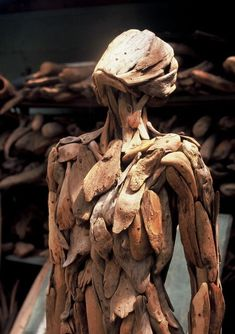 """Uncanny Sculpture by Nagato IwasakiNagato Iwasaki creates sculpture from driftwood he collects from around Japan. From Spoon & Tamago: """" Artist Nagato Iwasaki's lifelike driftwood sculptures are. Driftwood Sculpture, Driftwood Art, Human Sculpture, Sculpture Ideas, Inspiration Art, Japanese Artists, Art Plastique, Sculpting, Concept Art"""