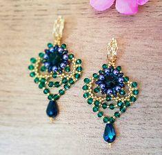 charoit / Šité zeleno-modré náušnice, mosadzné zapínanie