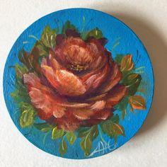 Magneti di legno dipinti a mano da me usando colori acrilici e per protezione li ho dato una capa di vernice protettiva. Tutti i disegni sono fatti da me. Li puoi regalare o anche collezionare.