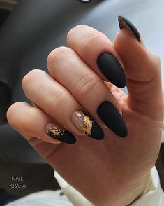 10 Glam Matte Nails Ideas With Black Nail Art Designs to Copy In 2020 - Femeline Cute Acrylic Nails, Matte Nails, Fun Nails, Glitter Nails, Dark Nails, Pink Glitter, Black Nail Designs, Nail Art Designs, Almond Nails Designs