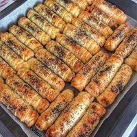Vinegar bakery crispy fritters recipe from Nermin Cihan. Health care in your hands . Iftar, Good Food, Yummy Food, Tasty, Pasta Recipes, Cooking Recipes, Savory Pastry, Middle Eastern Recipes, Turkish Recipes