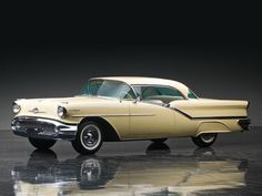 1957 Oldsmobile Starfire Ninety-Eight Holiday Hardtop Coupe | The Don Davis Collection 2013 | RM AUCTIONS