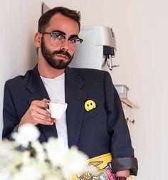 Davide Swiss Design, Fall Trends, Pocket Square, Fashion Men, Fashion Design, The Originals, Friends, Smile, Graphic Design